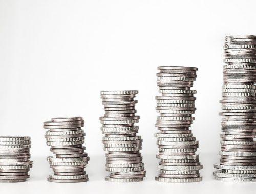 Jak najtaniej przesłać pieniądze z Polski do Anglii?