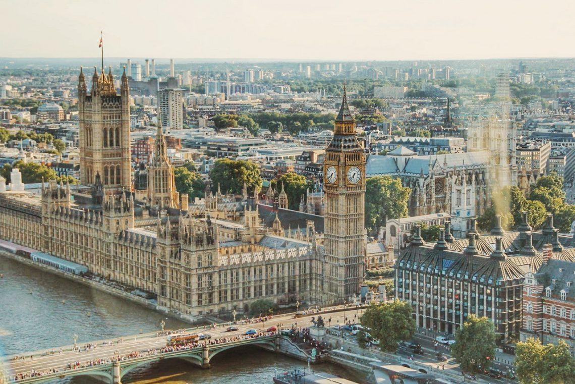 Przekazy pieniężne z Polski do Anglii